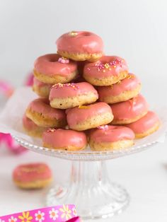 Gluteenittomat Uunidonitsit | Annin Uunissa Donut Holes, Most Delicious Recipe, Always Hungry, No Bake Desserts, Gluten Free Recipes, Doughnut, Goodies, Food And Drink, Favorite Recipes