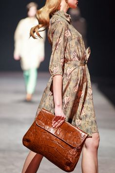 #show, #fall, #2013, #fashion, #clutch, #print Fall, Fashion, Autumn, Moda, Fashion Styles, Fashion Illustrations, Fashion Models
