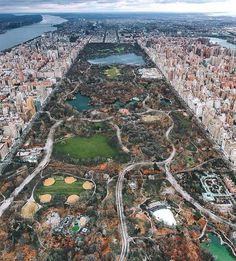 Great aerial shot of central park. Awesome Aerial Photo of Central Park New York City. Best Travel Instagrams, Photo New York, New Nature Wallpaper, Central Park Nyc, Park In New York, Urban Park, Nature Adventure, To Infinity And Beyond, City Photography