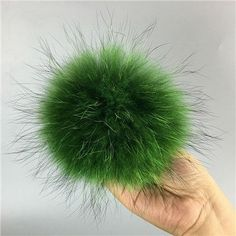 13cm Natural raccoon fur ball key chain fur hat winter hats Fur pom pom for shoes 100 real fur cap accessories Free Shipping