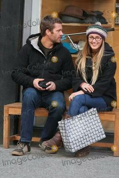 PW & his beautiful gf jasmine. I notice that they 're happy together for long time.❤
