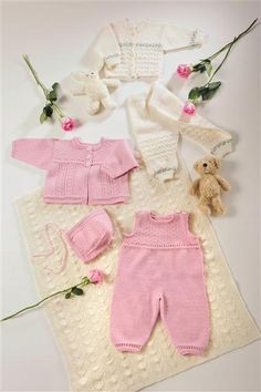 hentesett Baby Knitting, Crochet Baby, Baby Dungarees, Knitted Baby Clothes, Going Home, Baby Items, Stitches, Tutorials, Dress