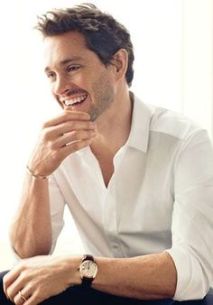 "Hugh Dancy, I've loved him ever since I saw ""Ella Enchanted"" Hugh Dancy, Pretty People, Beautiful People, Emporio Armani, Hannibal Tv Series, Nbc Hannibal, Hannibal Humor, Moda Hipster, My Sun And Stars"