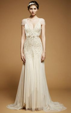 this jenny packham gown is the perfect mix between vintage and glam, delicate and sparkling.