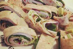 lomperuller av speltlompe til tapas Cheat Meal, Lchf, Fresh Rolls, Tapas, Food And Drink, Meals, Baking, Healthy, Ethnic Recipes