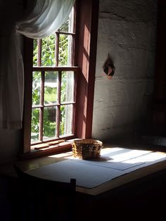 .the light streaming thru the window... I love this.
