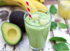 Avocado, Spinach & Pineapple Smoothie