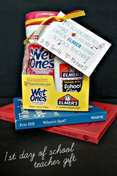 Cute teacher gift for the first day of school! And there is a free printable!