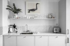my scandinavian home: duck print and light grey marble splash back / work top in a Swedish kitchen. - Alvhem.