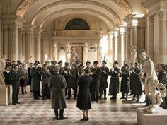 Alexander Sokurov's freewheeling poetic essay, highly personal and yet captivating, incorporates the Louvre's status in Nazi-occupied Paris alongside musings on art's function through storm-tossed ...