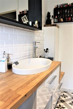 Best Bathroom Remodel Ideas on a Budget (Master & Guest Bathroom) Contemporary Bathroom Designs, Modern Bathroom Decor, Bathroom Interior Design, Bathroom Layout, Interior Ideas, Bathroom Lighting, Bathroom Ideas, Guest Bathroom Remodel, Bathroom Renovations