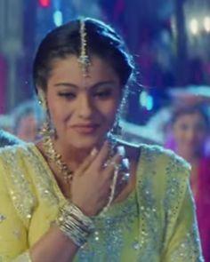 """voici Anjali dans le film """"la famille indienne""""."""