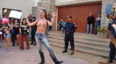 """OPINION: """"SOBRE TETAS NO HAY NADA ESCRITO"""" por JOHANNA RADUSKY   """"Poder expresar nuestra corporalidad de forma libre es para nosotras una forma de mostrarle a la sociedad argentina que es víctima de su doble moral""""Este sábado se realizó la 5 Marcha del Orgullo y Lucha LGTTTBIPQ en Necochea. Fue la 5 vez consecutiva que gays lesbianas trans travestis queers pansexuales intersex y amigxs de la disidencia caminamos con alegre rebeldía por las calles de nuestra ciudad. Fue la 5 vez consecutiva…"""