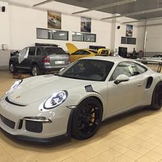 Presenting the first known PTS Fashion Grey 991 GT3 RS, at Porsche Centre Al Khobar in Saudi Arabia! My new personal favorite among the PTS Greys! Huge thanks to Hisham at Porsche Centre Al Khobar for this. : @elhish | Follow @ptsrs and join the #PTSRS movement for the latest on the newest #painttosample Porsche 991 GT3 RS's! | #porsche #911 #991 #porsche911 #porsche991 #porsche911gt3 #porsche991gt3 #porsche911gt3rs #porsche991gt3rs #gt3 #gt3rs #911gt3 #911gt3rs #991gt3 #991gt3rs…