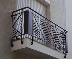 Wrought iron railings, balustrades, handrails - All About Balcony Wrought Iron Stair Railing, Iron Staircase, Metal Railings, Stair Handrail, Staircase Railings, Balcony Grill Design, Balcony Railing Design, Window Grill Design, Balustrade Balcon