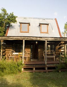 Small log cabin-unique and charming!  Is love a place like this to Escape to............Prescott, AZ?