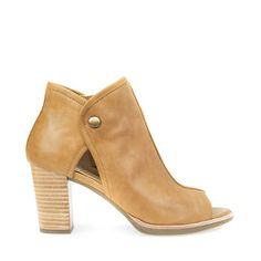 Shop New Callie women's ankle boots in yellow. Shop Geox. Free and easy returns!