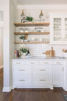 Chris Loves Julia x Semihandmade cabinet fronts for Ikea Kitchens Where to find DIY Kitchen Cabinets Plans - Cabinets DIY find Kitchen küche .Where to find DIY Kitchen Cabinets Plans - Cabinets DIY Apartment Kitchen, Home Decor Kitchen, Rustic Kitchen, New Kitchen, Home Kitchens, Kitchen Ideas, White Ikea Kitchen, Kitchen With Subway Tile, Kitchen Designs