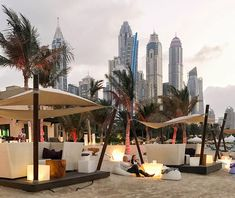 The Jetty Lounge at One & Only Royal Mirage is Dubai& chicest beach bar © YONDER. Royal Mirage, Hotel A Dubai, Voyage Dubai, Mirage Hotel, One & Only, Destinations, Rooftop Patio, Lounge, Dubai Travel