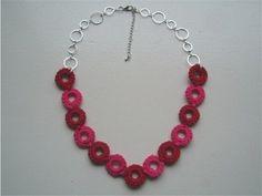 Gehaakte ketting met ringen. ----- necklace - crochet - DIY - rings -----