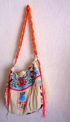 Fridita Mexican Embroidered Bag Por Mexicanartdesigns En Etsy Bags Pinterest Handmade Embroidery Designs And