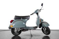 Reggio Emilia Italy, Vespa Px 150, Piaggio Scooter, Brazilian Real, Classic Motorcycles For Sale, Best Scooter, Classic Trader, Antique Auctions, Classic Cars