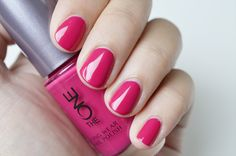 Oriflame The One Long Wear Nail Polish Gifts For Campers, Camping Gifts, Nail Polish Art, Nail Art, Oriflame Beauty Products, Wine Glass Holder, Game Pieces, Pink Outfits, Deep Winter