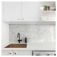 Kitchen Marble Splashback Laundry Rooms New Ideas Laundry Nook, Small Laundry Rooms, Laundry In Bathroom, Laundry Cupboard, Laundry Storage, Grey Kitchens, Home Kitchens, Interior Design Kitchen, Kitchen Decor