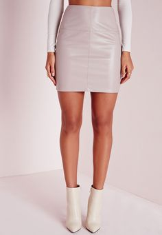 Are you Faux Real? This super effortless faux leather mini skirt does all the talking so you don't have to. In grey with a figure hugging fit, it's our current obsession. We're teaming with a white shirt, fur gilet and heeled boots to get a...