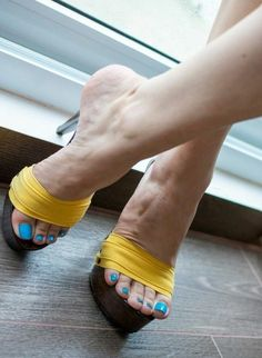 Only sexy feet Sexy Legs And Heels, Hot High Heels, High Heels Stilettos, Feet Soles, Women's Feet, Gorgeous Heels, Female Feet, Bare Foot Sandals, Sensual