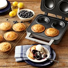 Breville Personal Pie Maker from Williams Sonoma. Shop more products from Williams Sonoma on Wanelo. Cooking Gadgets, Cooking Utensils, Kitchen Gadgets, Cooking Tools, Kitchen Tools, Kitchen Appliances, Williams Sonoma, Breville Pie Maker, Four A Pizza