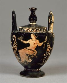 Red figured lebes gamikos. Late classical. 350 BC