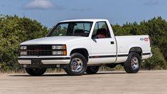 Chevy Pickup Trucks, Gm Trucks, Chevy Pickups, Chevrolet Ss, Chevrolet Trucks, 1993 Chevy Silverado, 454 Ss Truck, Ford Lightning, Chevy 1500