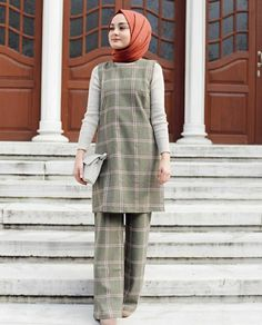 Biraz g l yahu De mez vallahi bu d nya a Modern Hijab Fashion, Hijab Fashion Inspiration, Muslim Fashion, Modest Fashion, Style Inspiration, Fashion Outfits, Hijab Dress, Hijab Outfit, Muslim Girls