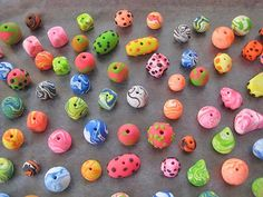 How to make polymer clay beads -Fimo, Cernit et accessoires : http://www.creactivites.com/236-pate-polymere