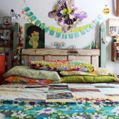 bedding, small apartments, beds, vintage, color