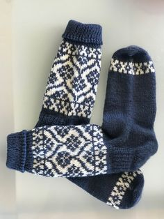 Hand knitted socks, wool socks, womens socks, fairisle socks – knitting socks – Knitting for Beginners Knitting Humor, Knitting Socks, Hand Knitting, Knit Socks, Fair Isle Knitting Patterns, Knit Patterns, Hairstyle Trends, Woolen Socks, Tatuajes Tattoos