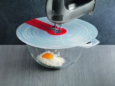 For those who love baking but hate the mess a mixer can make, the new Mixer Splatter Guard from Kuhn Rikon is specially designed to keep flyaway bits in the bowl during mixing.
