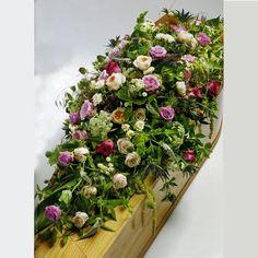 Funeral Flower Arrangements, Funeral Flowers, Funeral Caskets, Casket Flowers, Casket Sprays, Funeral Tributes, Memorial Flowers, Sympathy Flowers, Red Roses