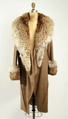 This 1929 wool and fur coat would have been a mid-priced alternative to those who couldn't afford the extremely high price of 1920s couture fashion - @~ Watsonette