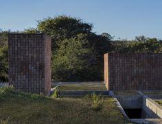 Gallery of GPL House / Estudio BLT - 7