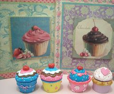 Cupcake pictures and trinket boxes