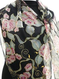 Gris de flores retro elegante negro pañuelo de seda por Irisit
