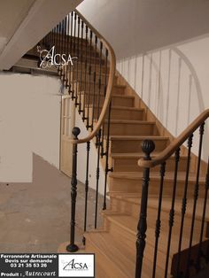 Wooden staircase with railing with wrought iron bars and wooden handrail Source by joannergnier Hardwood Stairs, Wood Staircase, Open Trap, Stair Railing Design, Walk In Closet Design, House Stairs, Higher Design, Stairways, Wrought Iron