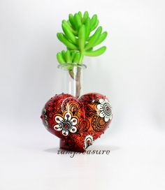 Heart Vase home decor handmade from polymer clay by iampleasure on Etsy https://www.etsy.com/listing/194811542/heart-vase-home-decor-handmade-from