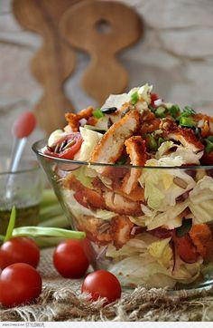 SKŁADNIKI na 4 porcje: 1 sałata lodowa 1 pierś z kurcza… na Stylowi.pl Healthy Snacks, Healthy Eating, Healthy Recipes, Appetizer Recipes, Salad Recipes, Sprout Recipes, Macaron, Cookbook Recipes, Food Photo