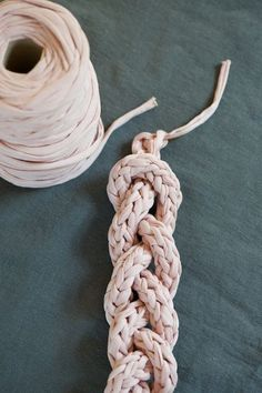 Learn how to crochet an i-Cord and make this cool necklace.  Perfect for Lion Brand's Fettuccini yarn!