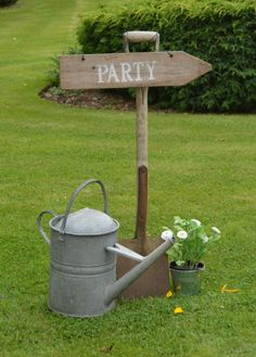 We went to a friend's wedding the other day, an outdoor 'rural rustic' feel to it- it was amazing!