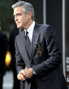 George Clooney unveils his next director project - ELLE France - - George Clooney, Amal Clooney, Sharp Dressed Man, Well Dressed Men, Fashion Mode, Mens Fashion, Mode Ab 50, Jamel, Taylor Kinney
