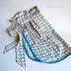 Vintage 1960s Beech Tree Red & Blue Floral Housewife Baking Apron by UpStagedVintage on Etsy